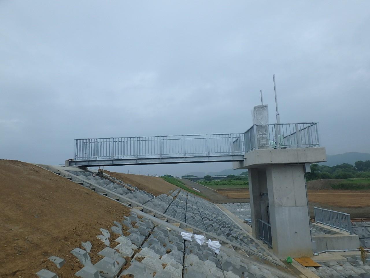 ゲート設備工 管理橋据付完了