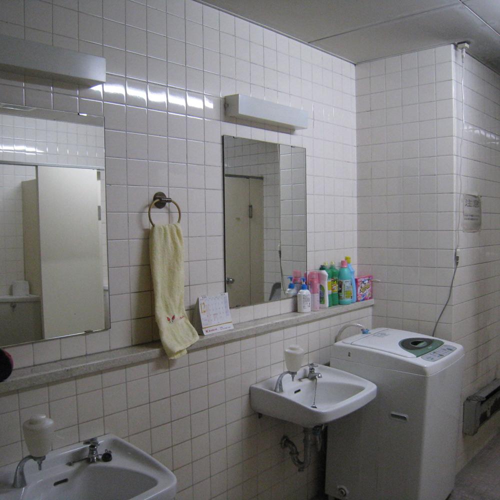 女子トイレ1 Before