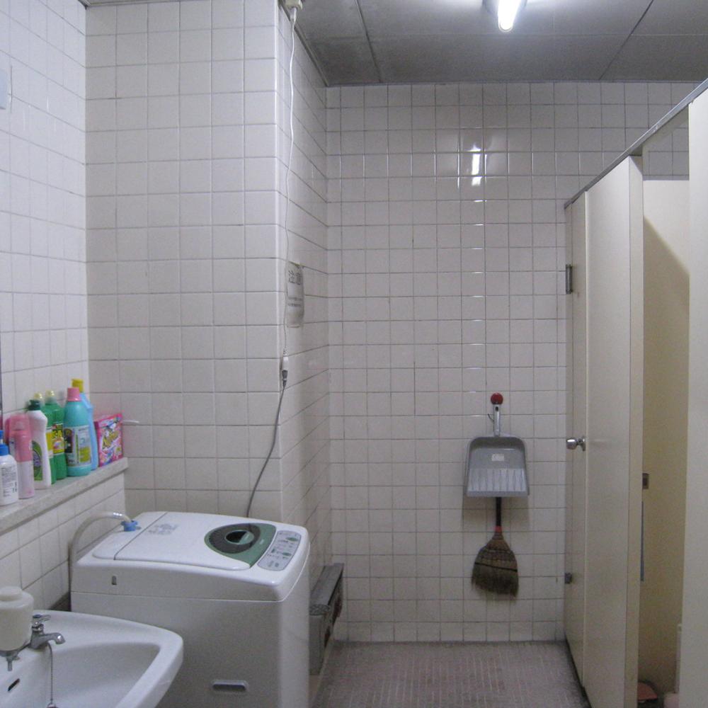 女子トイレ2 Before